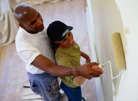 How to Repair Paint Chip on Walls
