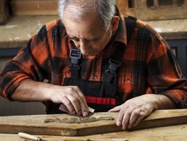 Small sanders help you fine-tune the details of your woodworking projects.