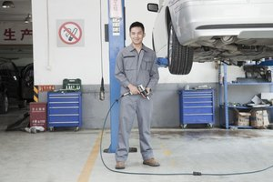 How to Become an Auto Mechanic