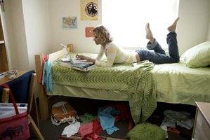 How To Make A Dorm Room Bed Skirt 3 Steps Ehow