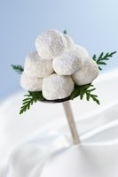 Playful snowballs bring a touch of whimsy to the holiday table.