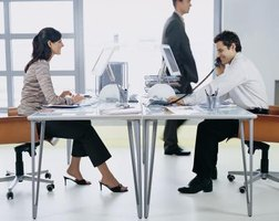 Types Of Office Layouts Ehow