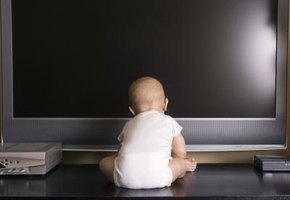 What Are the Dangers of Putting a Baby in Front of a TV?