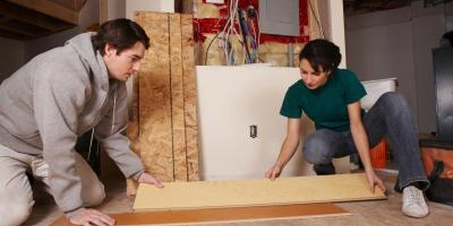 """How to Make Cabinet Doors Out of Plywood, Glue & Laminate Flooring"""