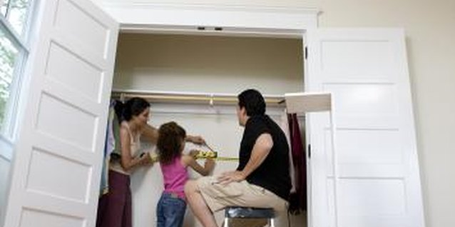 How to Decorate a Closet Hideout for Kids