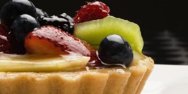 Does Fresh Fruit Need to Be Glazed on a Cream Tart?