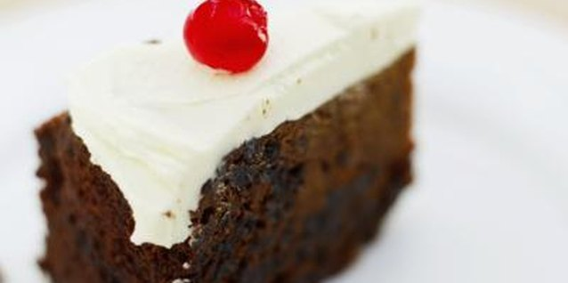Whipped cream makes a thick, smooth layer over cakes.