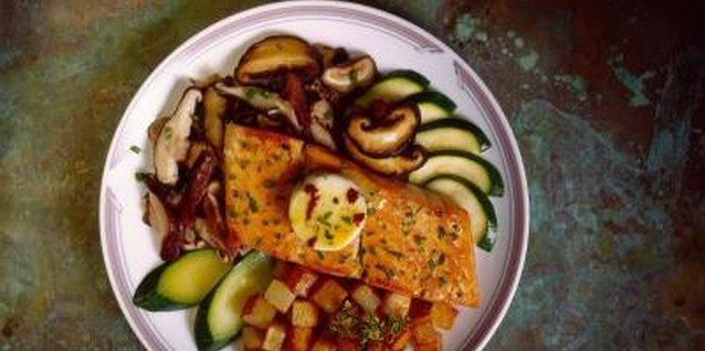Good Foods to Cook With Grilled Salmon
