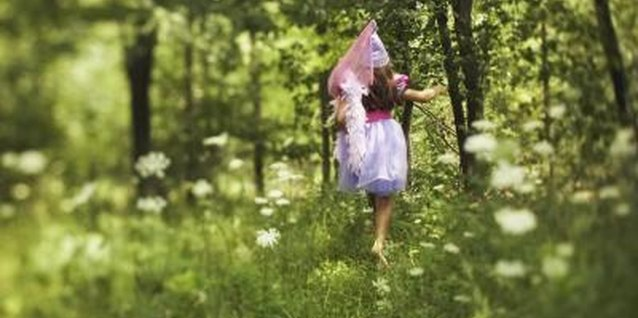 Help your magical princess make her way home from her imaginary forest.