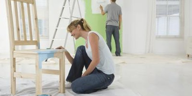 How to Paint Furniture for the Cottage Look