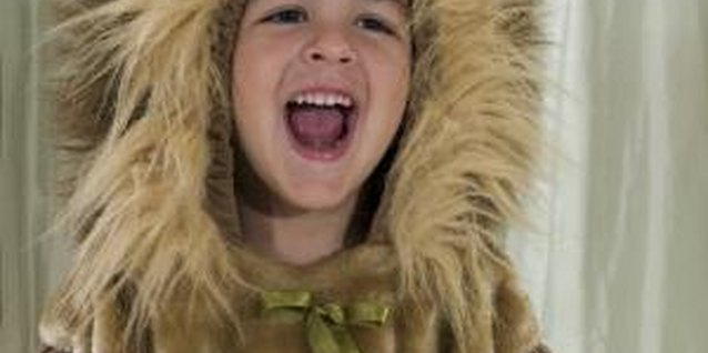 How to Make a Lion's Tail for a Child