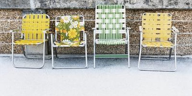 How to Replace Lawn Chair Mesh