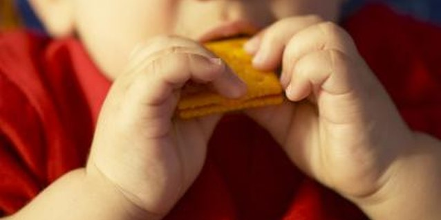 An evening snack can help settle a toddler down for sleep.