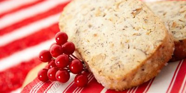 With its aromatic spices, banana bread is a favorite among children and parents.