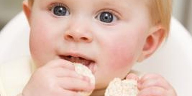 Snacks for Toddlers With a Food Allergy