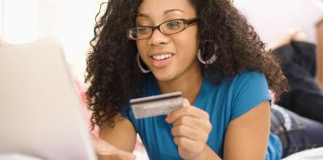 Advantages of Giving Teens Credit Cards