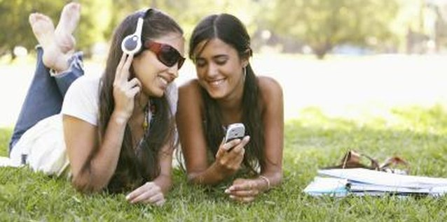 How to Help Shy Teen Girls Make Friends