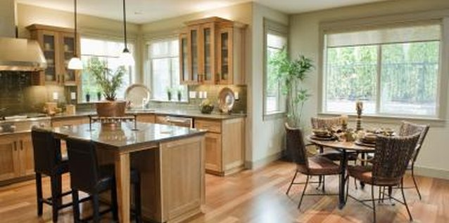 Brookhaven and Kraftmaid cabinets give you design flexibility as you plan your new kitchen.