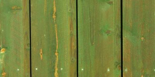 How to Fix Bubbles in Deck Stain