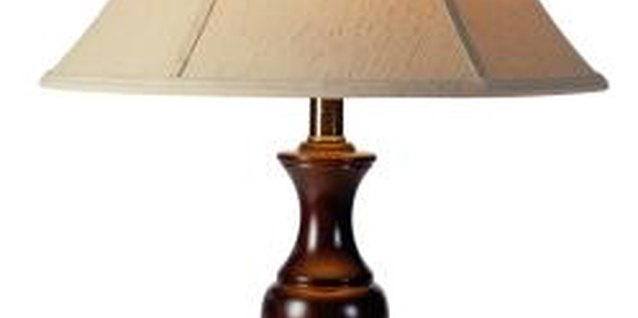 How to Choose a Lampshade Size