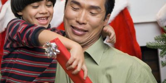Easy Christmas Gifts That Children Can Make for Their Dad