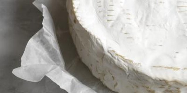 Small wheels of Brie make a rich appetizer when baked.