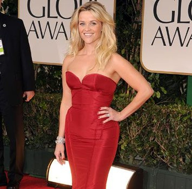 """Good Housekeeping"" reported that Reese Witherspoon exercises with friends to make her fitness routine more fun."