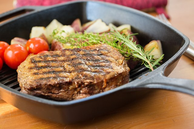 How to Grill Steak Inside on a Stovetop Grill or Pan
