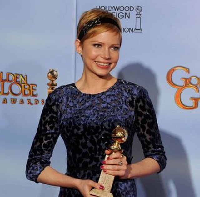 Michelle Williams balances matte and shine at the Golden Globes in 2012.