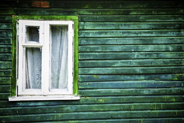 Cottage Window Styles With Pictures Ehow