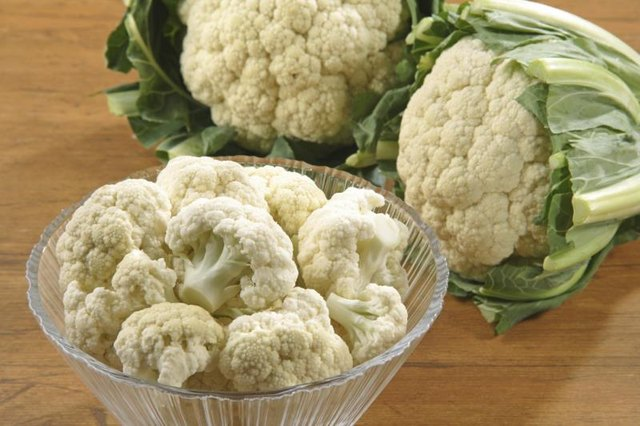 A bowl of raw cauliflower.
