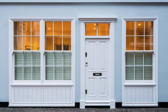 Difference Between Single And Double Hung Windows : Difference between double single hung windows ehow