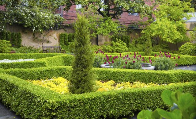 How To Design An English Garden With Pictures Ehow