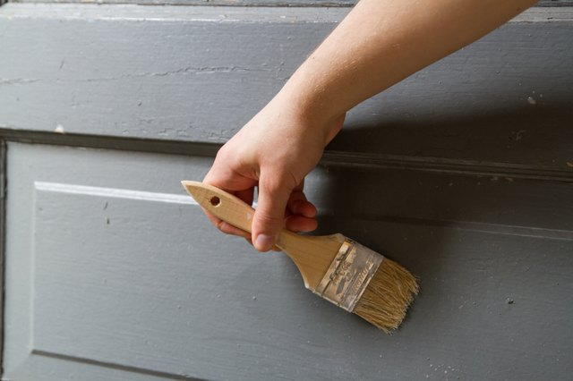 How To Remove Mold From A Wooden Door With Pictures Ehow