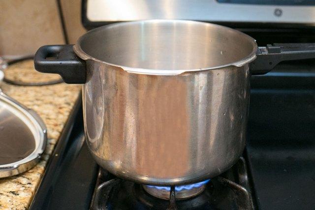 how to cook pork tenderloin in a pressure cooker
