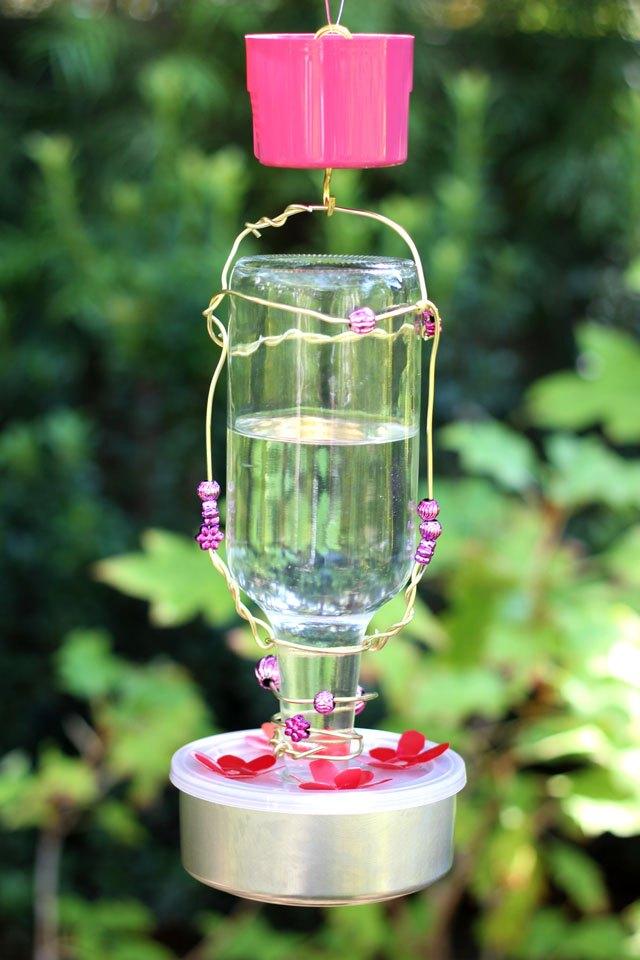How To Make A Homemade Hummingbird Feeder Ehow