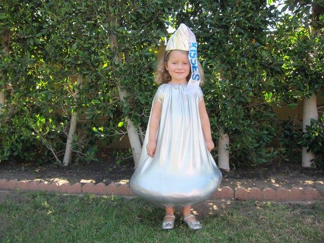 Image Gallery hershey costume
