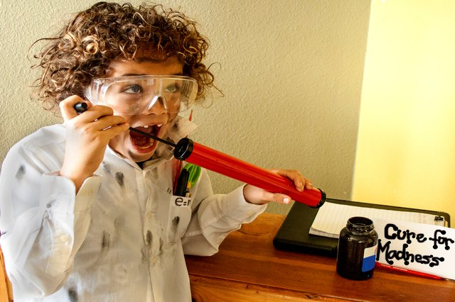 How to Dress Like a Mad Scientist for School or Halloween