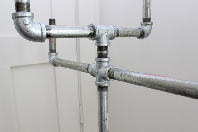 Customize your coat rack with different pipe fittings.