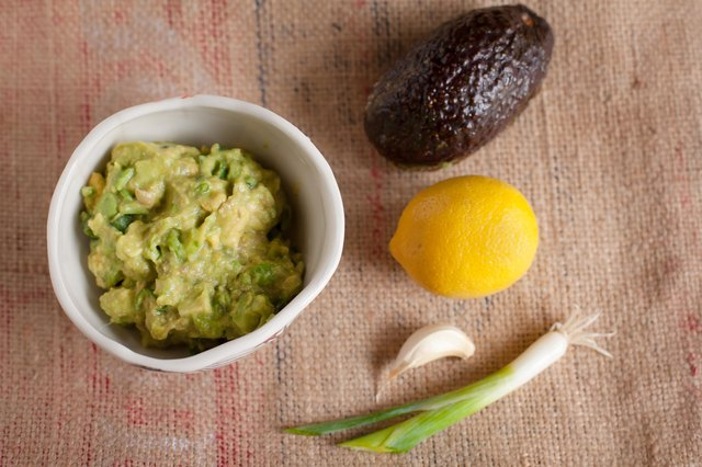Things to Eat With Guacamole Besides Chips