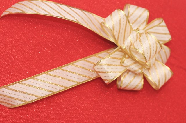 How To Make Different Types Of Christmas Tree Bows