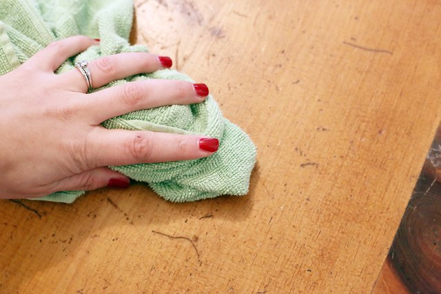 How to Repair Scratches in an Engineered Hardwood Floor | eHow