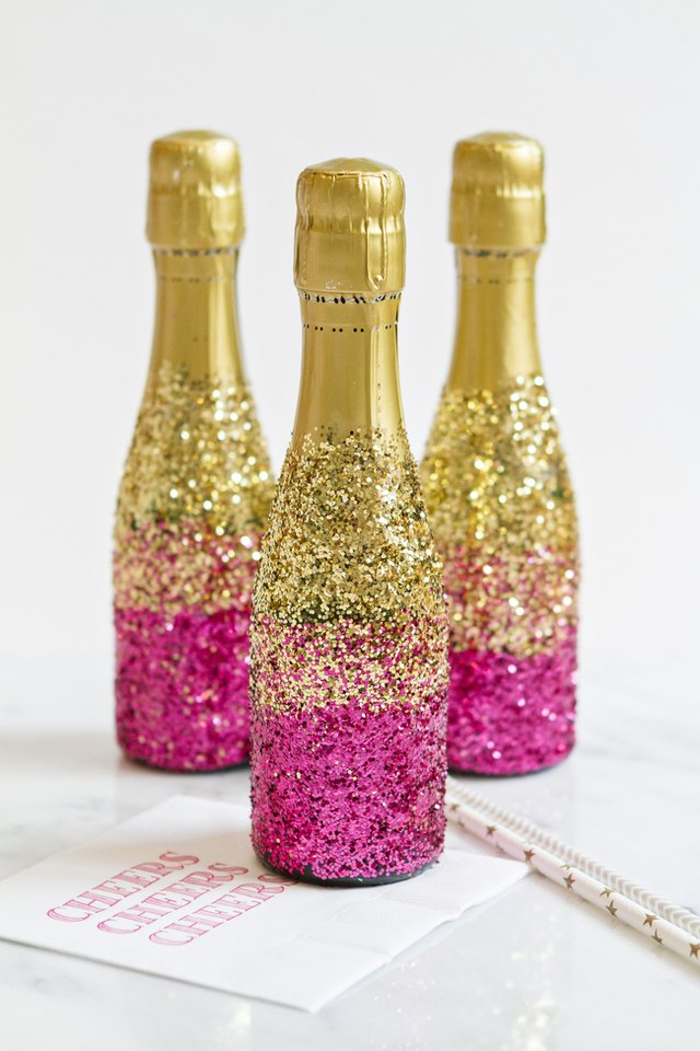 how to decorate mini champagne bottles with glitter ehow ForHow To Decorate A Bottle With Glitter
