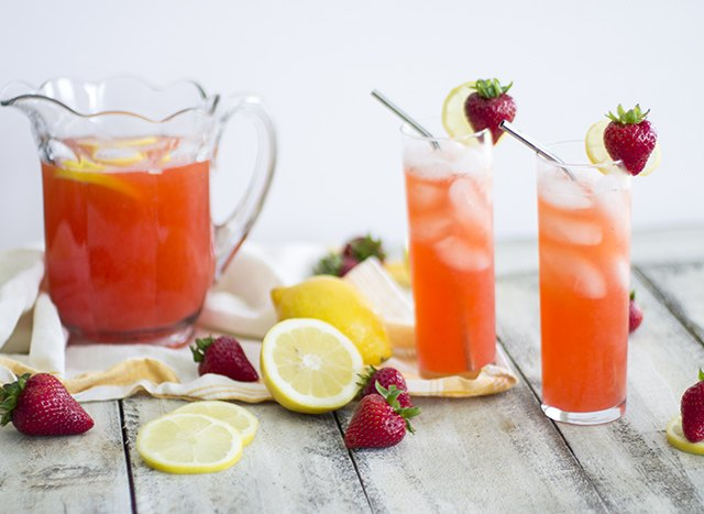 how to make pink lemonade from scratch