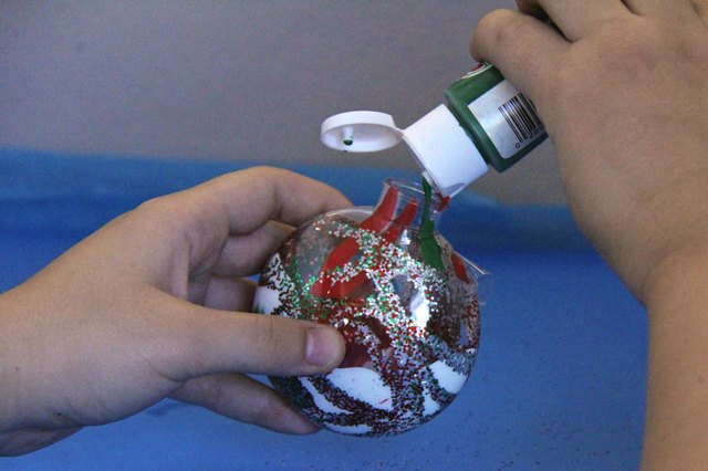 How to decorate clear plastic ball ornaments with