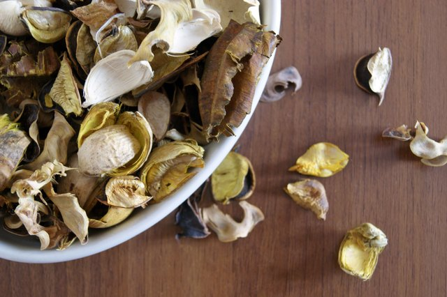 How to Use Potpourri Refresher Oil