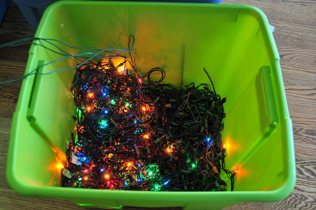 String Christmas Tree Lights Vertically : The Best Way to String Christmas Tree Lights (with Pictures) eHow