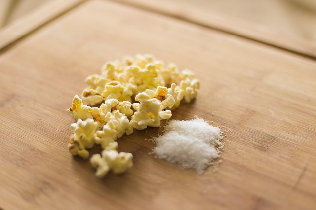 How to Make White Popcorn Salt