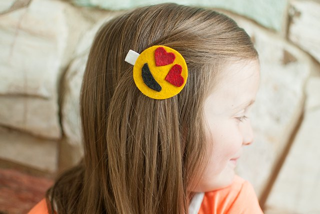 DIY Emoticon Hair Clips