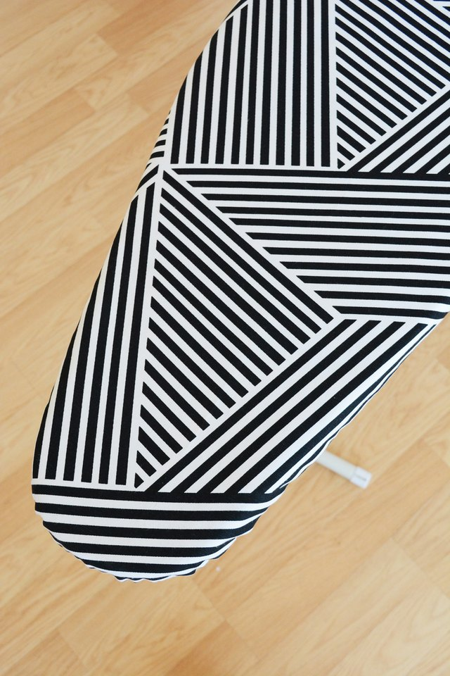 diy ironing board cover ehow. Black Bedroom Furniture Sets. Home Design Ideas